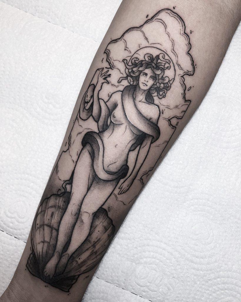 Foto de tatuagem feita por Rafael Abitte (@abitte.ink)