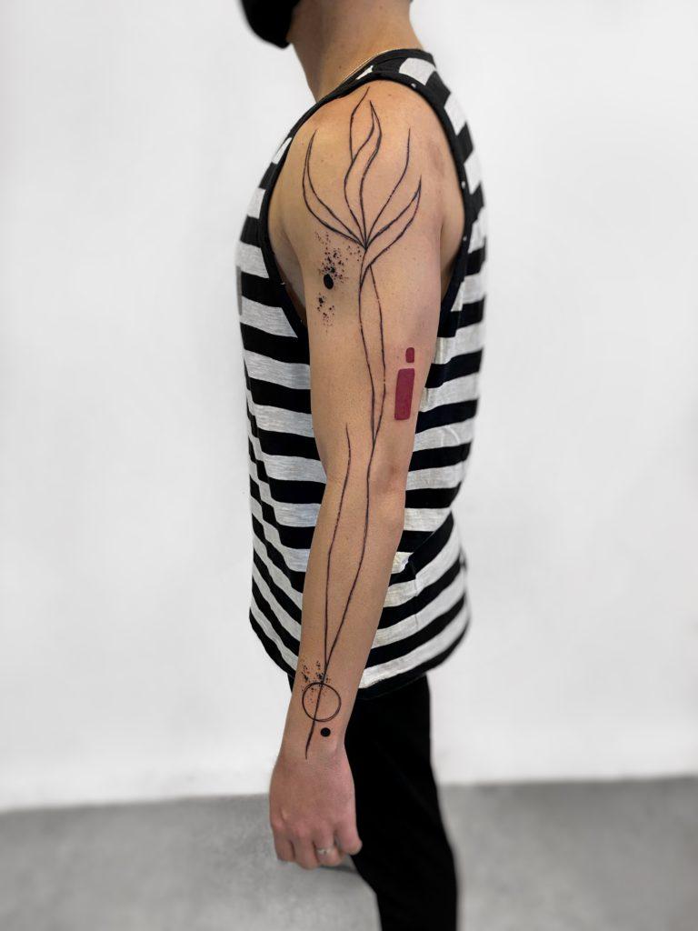 Foto de tatuagem feita por Maureen Sendim (@iwww.nstagram.com)