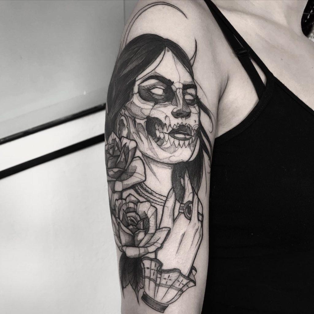 Foto de tatuagem feita por Vineee Lima (@vineeelimattt)