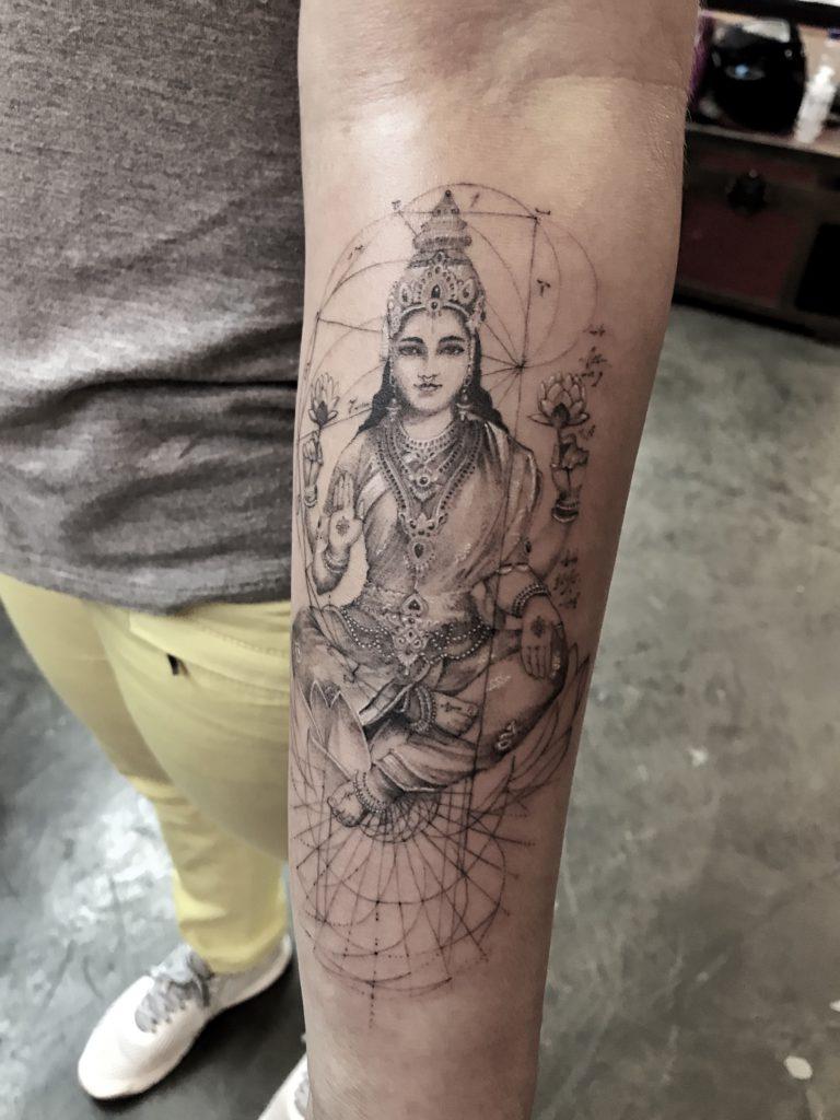 Foto de tatuagem feita por Chiquinho Gomes (@chiquinhogtattoo)