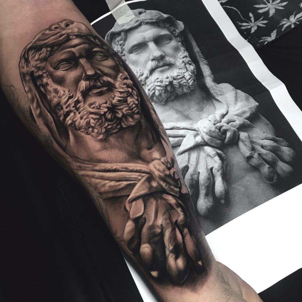 Foto de tatuagem feita por Júnior troper (@troperart)
