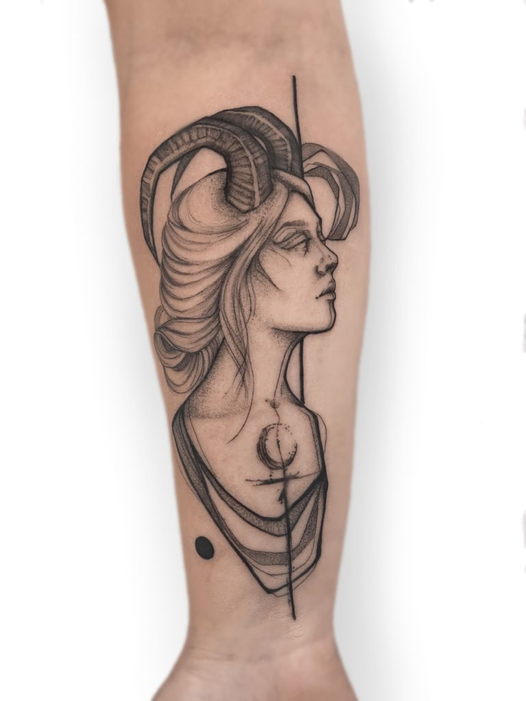 Foto de tatuagem feita por Marcella Pamplona (@marcella.pamplona)