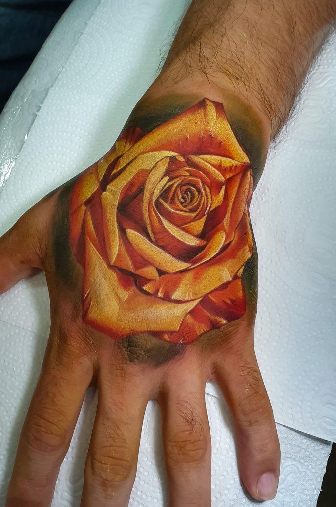 Foto de tatuagem feita por Alvaro Serafim (@alvaroserafim)
